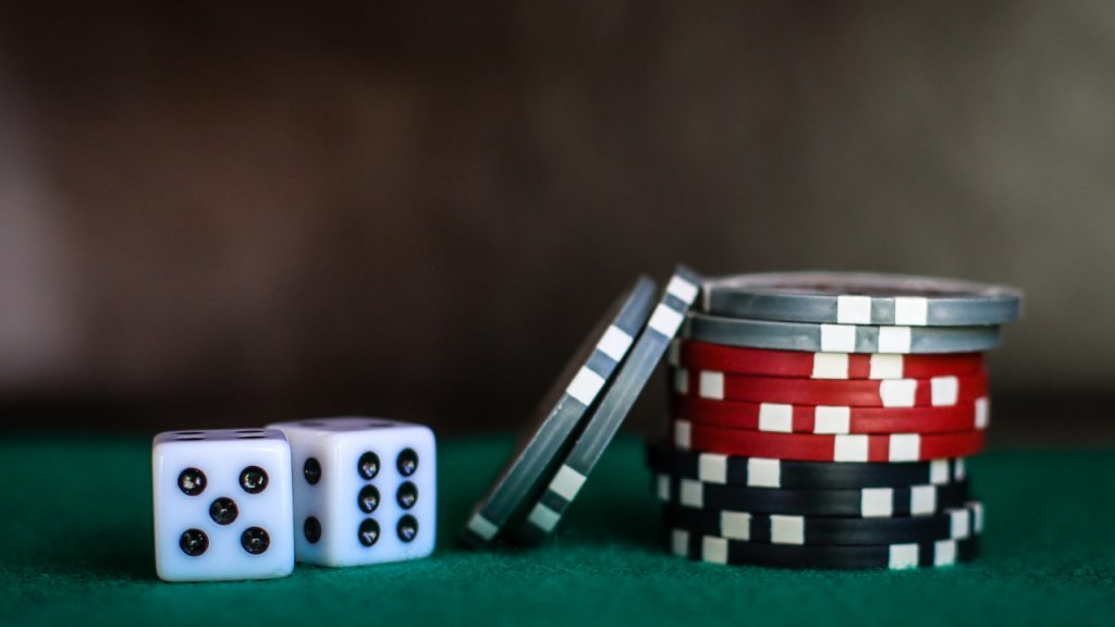 Online casinos are less expensive.
